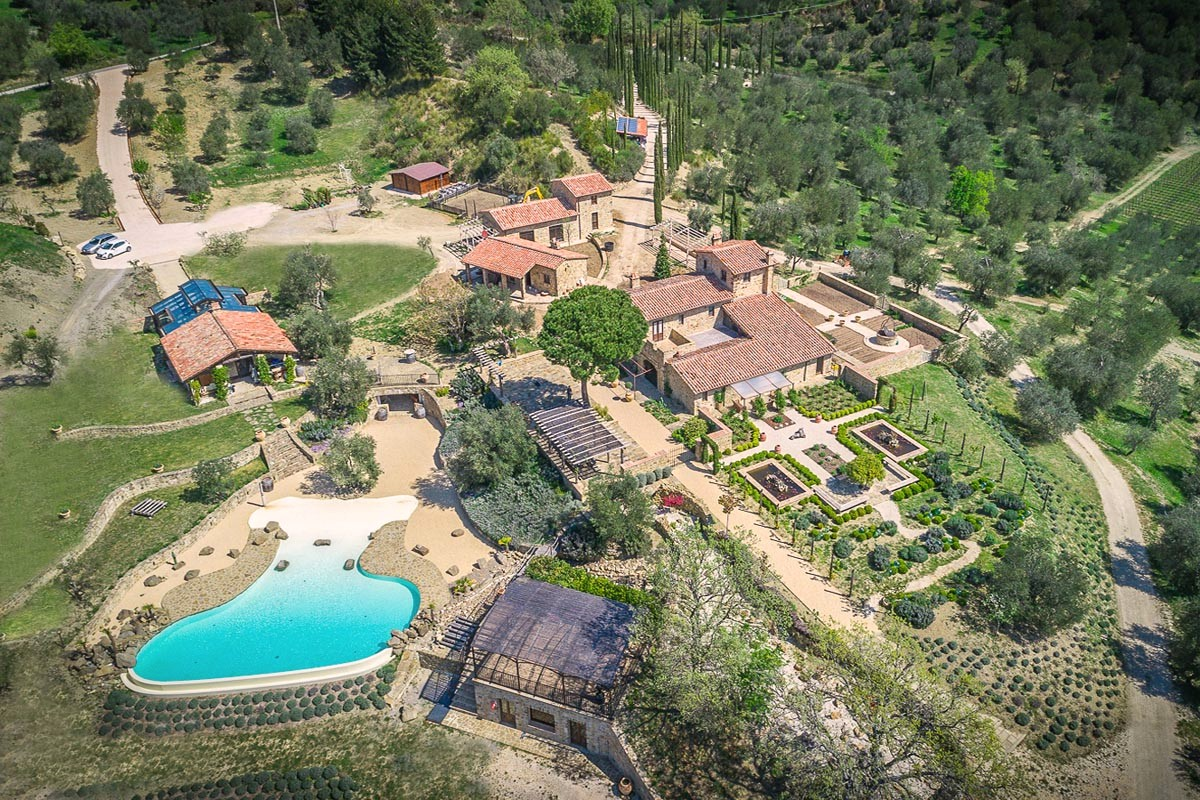 COUNTRYSIDE VILLA FOR SALE VAL D'ORCIA